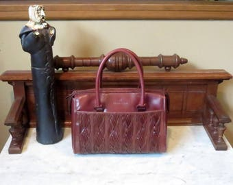 Etienne Aigner Striking Reddish Brown Leather Satchel With Dual Rolled Leather Handles And Exterior Side Pockets - EUC