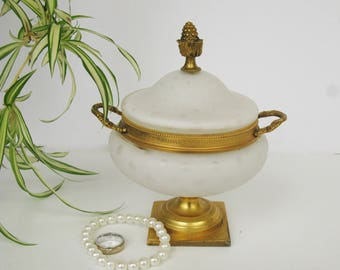 Regency Trinket Dish with Lid, White and Gold Ring Box, Small Jewelry Holder, Elegant Dresser accent, Candy Dish