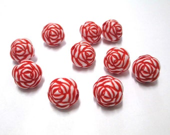 10 red flower beads 13mm acrylic