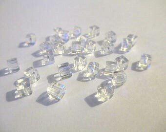 20 square clear glass beads 4mm
