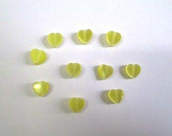 10 yellow 6mm heart shaped cat eye beads
