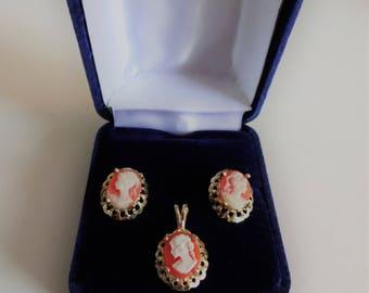 Dame Reine Camée Bijoux définit Pendentif & Boucles d'oreilles 10K **Expédition gratuite au Canada**Free shipping in Canada**