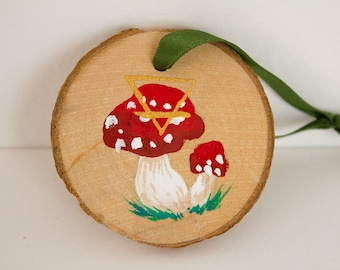 """Wooden Earth Protection Ornament """"Amanita Muscaria"""""""