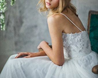 Lace wedding dress //Ivy / Tulle wedding gown, sweetheart corset wedding dress, A line bridal gown, gray wedding dress, classic wedding gown