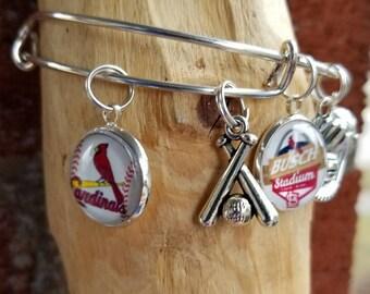 St Louis cardinals wire bracelet