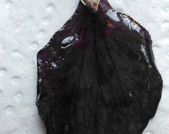 plant black geranium petal pendant
