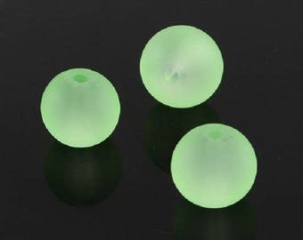 """Frosted Light Green 10mm Round Glass Beads (30"""" Strand)"""