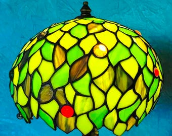 Green Tree Tiffany Lamp. Stained glass lamp shade. Stained glass art. Natural design. Tiffany lamps. Vitrage home decor. Tiffany glass.