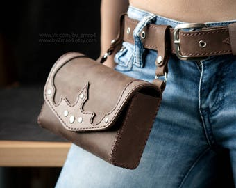 Woman Fanny Pack, Medieval Small Belt Bag, Fantasy Belt Bag, Brown Small Fanny Pack, Belt Bag for Women, Leather Strap, Fantasy Fanny Pack