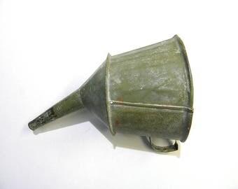 VINTAGE METAL FUNNEL, Large Masonry Funnel, Galvanized Tin Funnel, Antique  Primitive Liquid Funnel, Industrial Farm Decor, BalMinDi