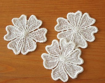 2pcs: Heart Shaped Petals Flower Lace Applique 50mm x 45mm White Embroidery Trim Spring Garden Sewing Knit Embellishment Craft DIY