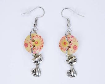 Earrings cat and flowers in pink-red on silvery earrings wooden pendant earrings cat Flower Beige Mother's Day
