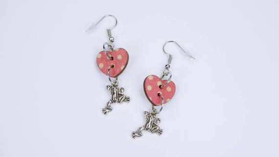 Earrings frogs and heart hearts in pink with white dots on silvery earrings wooden pendant earrings Jewelry Valentine's Day frog