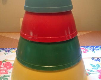 Pyrex Primary Mixing Bowl Set - Yellow/Green/Red/Blue (S3)