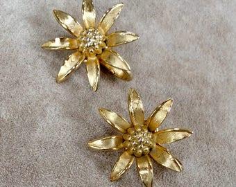 Vintage Sunflower Clip on Earrings