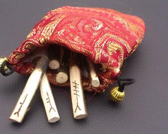Tree Ogham divination set - Holly wood