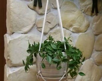 Macrame plant hanger, modern macrame, macrame plant hanging, minimalistic style, bohemian style