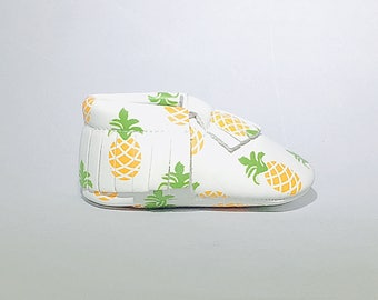 Pineapple VEGAN leather baby moccasins handmade Adorable 0-3 months 3-6 months 6-12, 12-18 months baby shoes