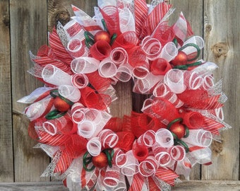 Red and white Christmas wreath, candy stripe Christmas wreath,  peppermint stripe wreath, Christmas wreath, red Christmas wreath