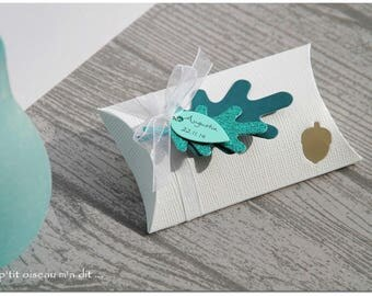 Boxes for sweets theme of autumn leaves