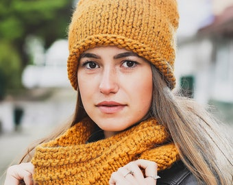 Yellow hat Winter scarf Winter hat Cowl scarf Neck warmer Winter wool hat Winter wool beanie Infinity scarf Women cowl Amber knit cowl