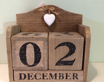 Wooden date block set