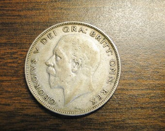1933 Great Britain Half Crown - Silver - Nice Find!
