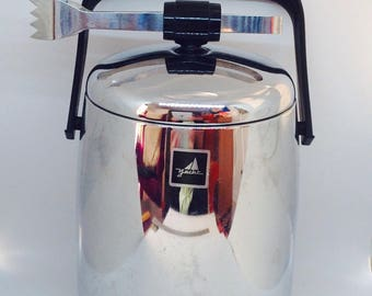 Retro ice bucket with tongs