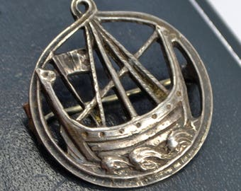 Vintage Solid Silver Round VIKING BOAT Longship Scottish CELTIC Brooch / Pin