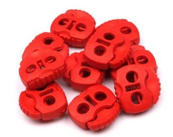 10 cord Stoppers with 2 holes in strawberry red 20x20mm