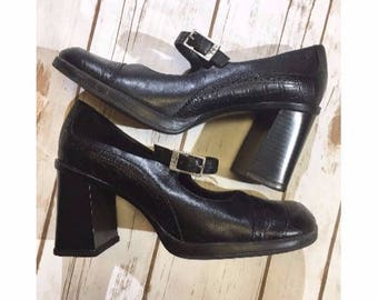 Vintage Tommy Hilfiger Block Heel Mary Jane Shoes, 90s Tommy Hilfiger Shoes Womens Size 7.5 US, Black Leather 90s Shoes, 90s Mary Janes