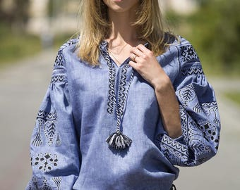 Ukrainian blouse, vyshyvanka. Linen folk blouse with embroideredsleeves. Etnich women shirt. Organic embroidered blouse. Mexican style