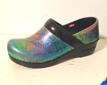 Dreamcatcher - Painted Sanita Clogs