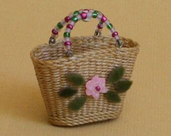 Dollhouse miniature, Wicker shopping bag, scale 1 : 12, WC/303