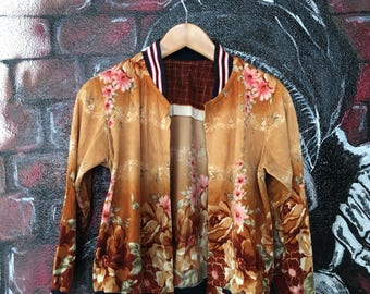 Vintage Retro Floral Motive Womans Jacket
