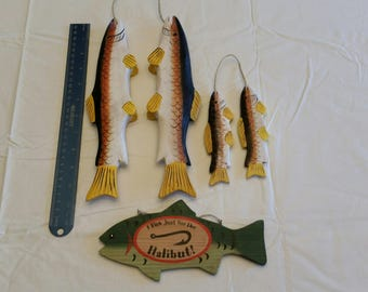 vintage wooden painted fish on stringer - wall hanging decor - beach ocean lake cabin fishing decoration wood art deco