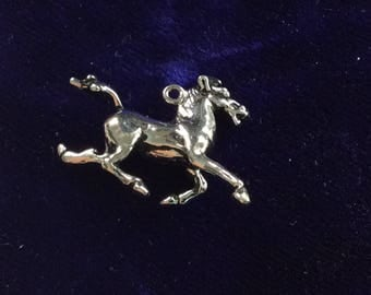 Sterling silver horse charm vintage # 133s