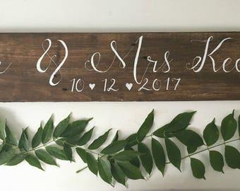 Wedding Name and Date sign - Rustic Wedding Name and Date Sign - Wedding Signage - Wooden Wedding Sign - Wedding Photo Prop - Calligraphy