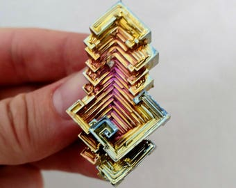 Rainbow Bismuth Crystal 45g Lab Grown Jewelry Display Specimen Educational Metaphysical Metal Healing Stone