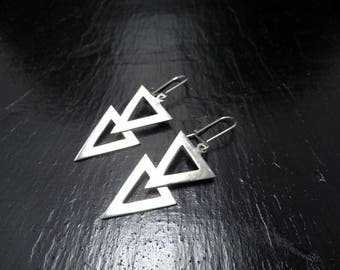 Triangle earrings in silver 925/1000 rhodium