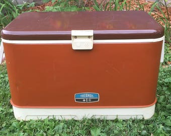 Vintage 1970's Brown 32 quart Thermos Metal cooler Camping/tailgating/family gathering Made in USA
