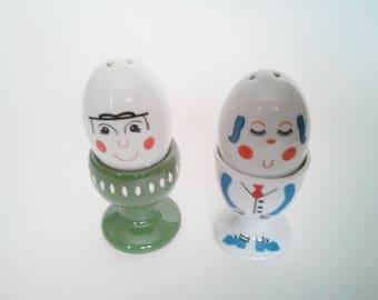 Vintage Salt and Pepper Shakers -  Cute Eggs in cups