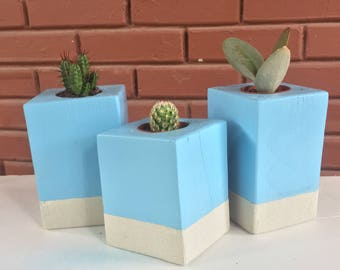 2 toned wooden planters planters