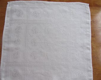 Free Shipping in USA Set of 5 White Damask Dinner Napkins  2396