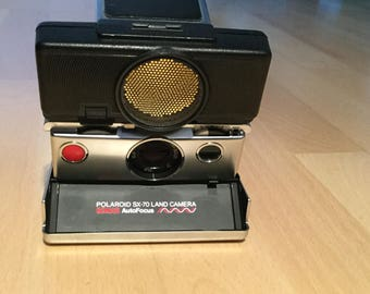 Polaroid Land camera SX-70 sonar autofocus