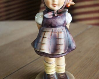 Hummel WHICH HAND Goebel Girl Figurine #258 Trademark 64 – 1963 – Signed – Excellent Condition