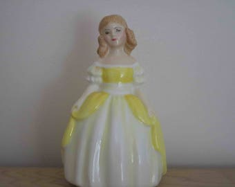 Early First Edition Penny Royal Doulton Figurine HN2424 Excellent condition