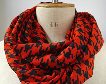 houndstooth punk scarf, red black infinity scarf, houndstooth cowl fabric woolpeach, gift for her for mom, christmas gift, red cowl