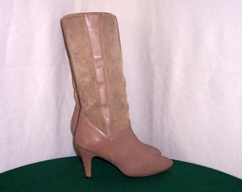Sz 8.5 Vintage Taupe leather and Suede 1980s Women high heel walking boots.