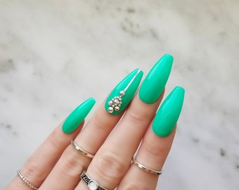 Limited edition mint press on nails - Swarovski rhinestones Accent nails - Handcrafted fake nails - Coffin Stiletto Almond Oval Round